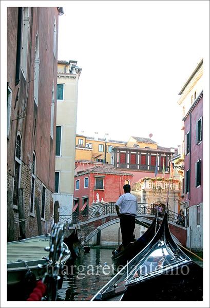 Venice_smallcanal